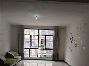 姜家寨電梯樓4室 1廳 2衛2400元/月