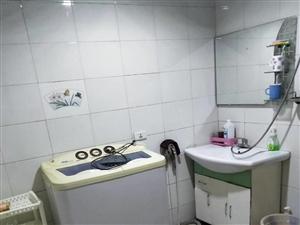 百兴小区3室 2厅 2卫1400元/月