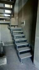 诚接钢结构二层,楼梯