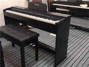 批发、零售钢琴、电钢琴、吉他等乐器