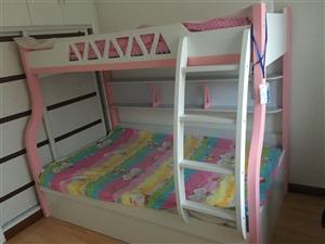 出售一套九成新的高低床