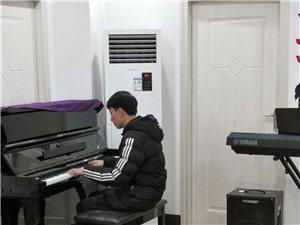 99元一個月學習鋼琴,吉他,架子鼓