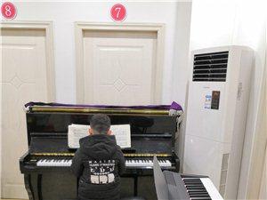 99元學習鋼琴,吉他,架子鼓