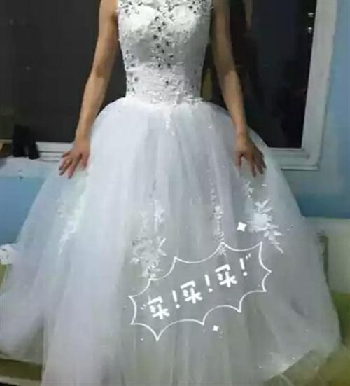 全新时尚性感婚纱出售