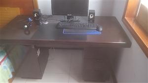 出售电脑办公桌