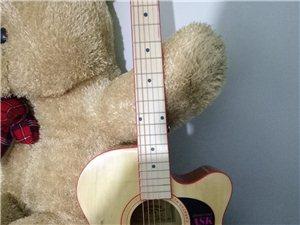 全新吉他出售,有兴趣联系我