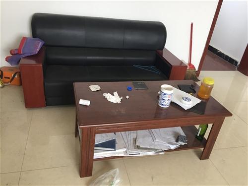 办公沙发、桌子、柜子、床