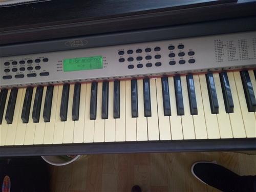 个人自用电钢琴跟新的一样