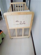 纯木婴儿床