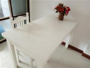 招远出售餐桌一张餐椅四把,也可单卖