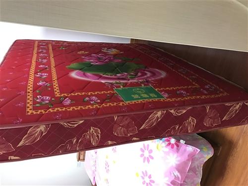 出售1.8米席梦思床垫