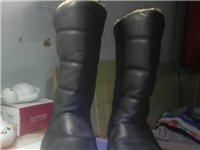 该棉皮鞋防滑保暖性好,样式美观,适合少青中女士寒冷冬季户外穿着,需要者与我电话联系,诚心购买者价格还...