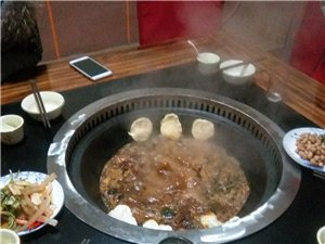鄉村土灶臺鐵鍋燉