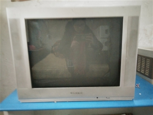 舊電視因為搬家便宜處理