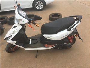 踏板摩托车出售