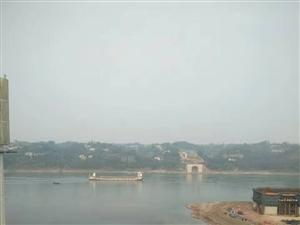成本价出售,江语长滩,130平米,客厅卧室正临江!