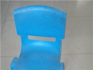 先生用的小椅子,硬塑的