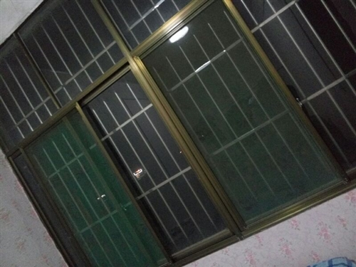 低價出售自家樓房用防盜窗,全彩鋼,質量好