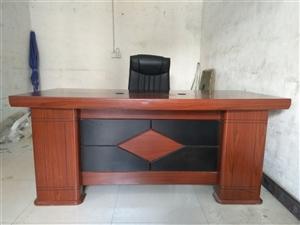 出售1.8米班台(老板桌)带老板椅