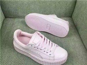 低价出售全新品牌太阳镜和品牌运动鞋