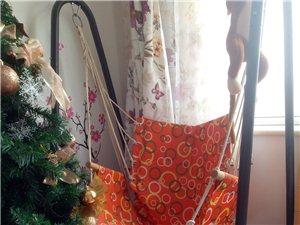 新的摇椅和圣诞树没用过