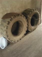 处理16/70-20型半新装载机轮胎