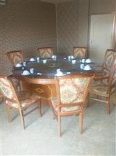 成套餐桌椅,低价出售