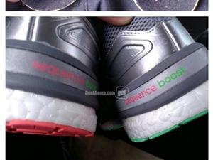 阿迪达斯boost跑鞋