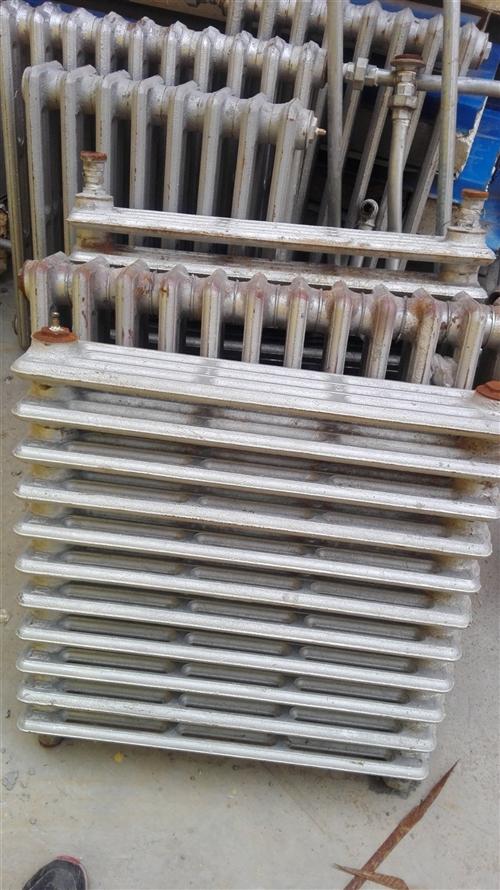 低价出售各类型号铸铁暖气片