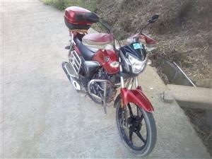 出售一辆自用摩托车