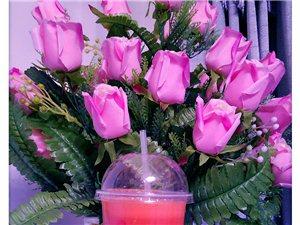 如果你想身体健康又苗条漂亮,那鲜榨果汁就是你的不二之选,我的果汁不加水,不加水,不加水,纯纯的全部都