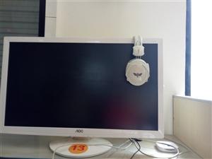 销售网吧里面多台白色款27寸显示屏,品相好,价格美