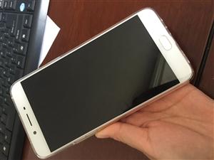 出售9.9成新oppor9splus手机一台