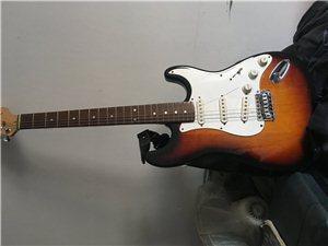 韩国产电吉他