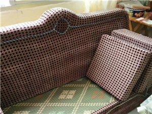 旧沙发一组