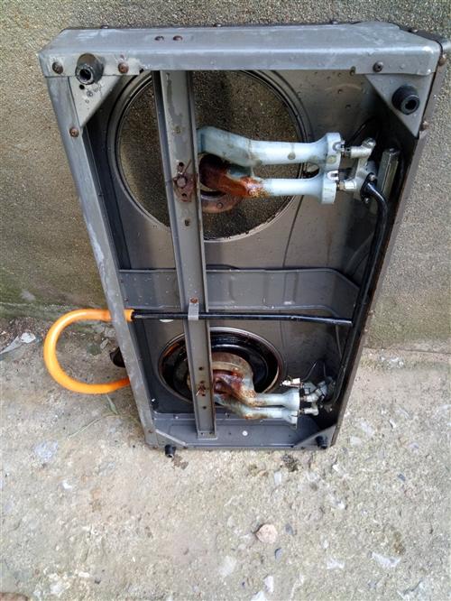 煤氣灶,壇子,管子全套。