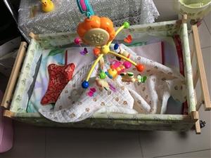 婴儿床新生儿