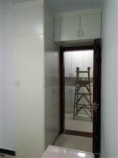本企業承攬全屋家具定制及室內裝修。
