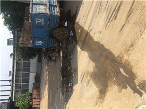 东南关村里大道中间成垃圾站有地方管吗