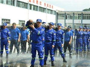 广安蓝天救援队鏖战罗江