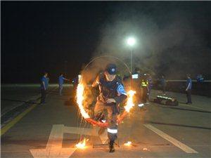 亚博BET8蓝天救援队鏖战罗江