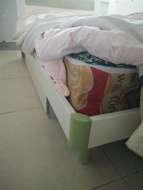 出售二手單人床