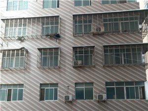 汉川汉北新城4室2厅2卫180万元