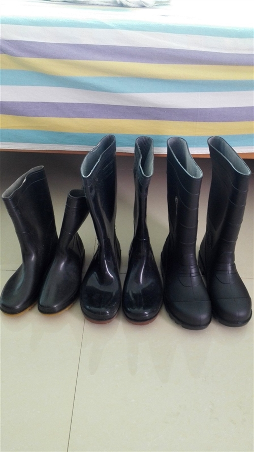 全新未穿过雨鞋