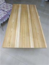 出售折叠桌子