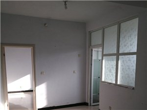 故里学区1室1厅1卫500元/月