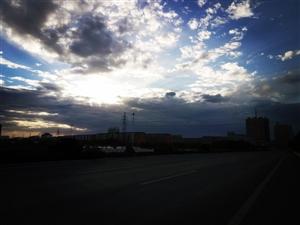 最美白城的天