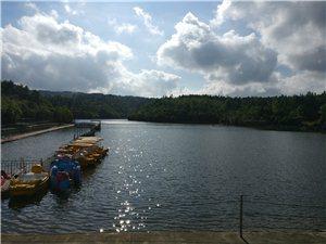 �^��湖的水是�倪@里引�幔靠吹降故前惨莸�