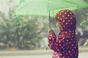 没有伞的孩子才会努力奔跑