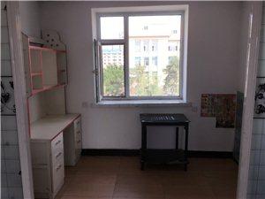 地委对面小区2室1厅1卫900元/月